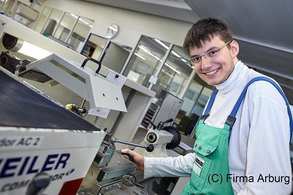 2015-Metallfeinbearbeiter-Arburg01